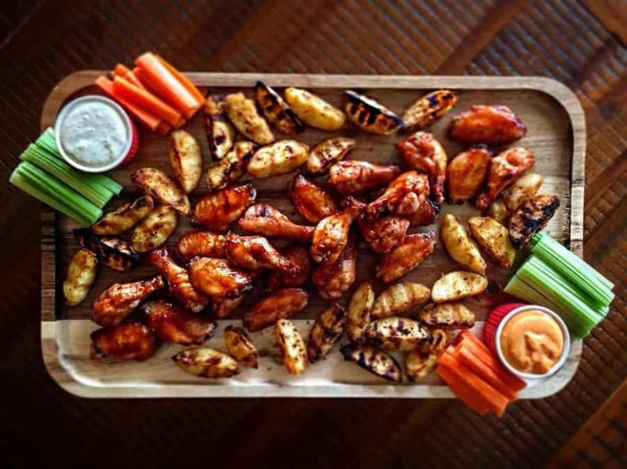 Sticky Sriracha Wings Recipe – Dean Schueman